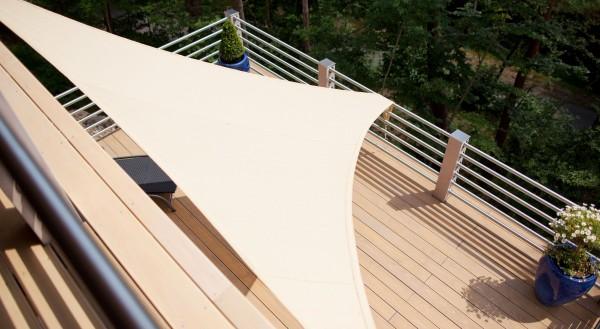 Sonnensegel-reinigen-im-Sonnenmax-Blog-erfahren-Sie-wie-es-geht